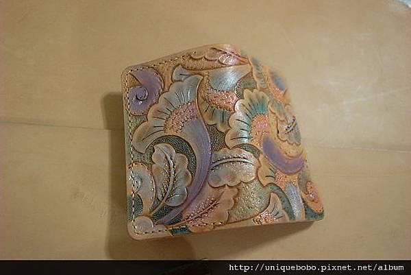 皮雕藝術名片夾-水綠紫橘炫麗孔雀-CC0203-1280-R1064831 [640x480]