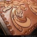 皮雕藝術名片夾-唐草馬鞍茶色-CC0302-R1065356 [640x480]