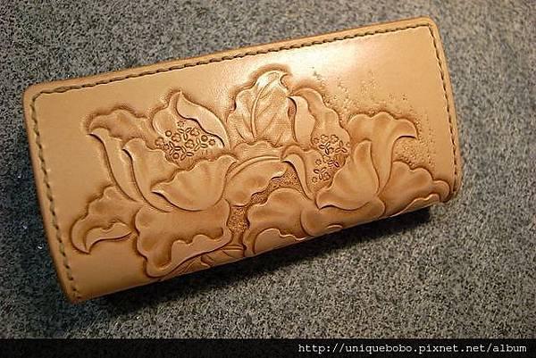 中夾(磁扣)-手工皮雕牡丹花-皮原色-CQ0602-7800-R1066001 [640x480]