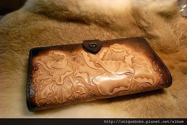 皮雕短夾-牡丹-手縫-CR0103-6800-R1067127 [640x480]