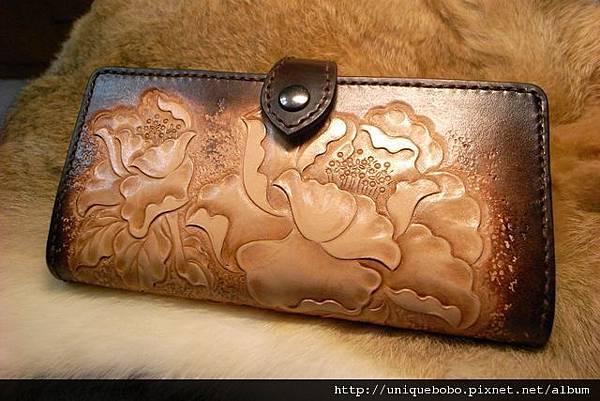 皮雕短夾-牡丹-手縫-CR0103-6800-R1067130 [640x480]