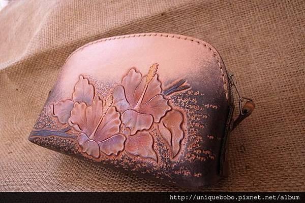 皮雕藝術手拿小錢包-紫橘朱堇-CB0402-_0025072 [640x480]