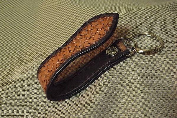 皮雕扣帶鑰匙圈-子彈心型-KF0604-680-R0021479 [640x480].JPG