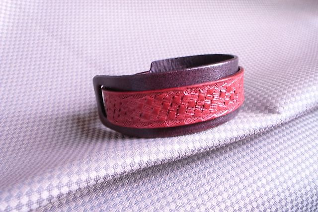 沉靜的紅雙色手環-HA0101-250