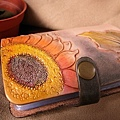 皮雕卡夾-多彩向日葵-CS0101-980