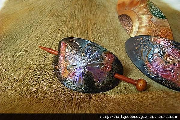 皮雕時尚髮簪-藍紫蝴蝶-HH0106-480-R1050049 [640x480].JPG