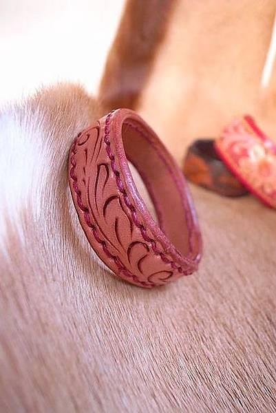 唐草線雕刻銅襯手環-HA0203-680_1049244 [640x480].JPG