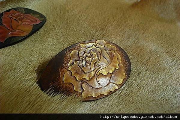 皮雕時尚髮夾-金棕玫瑰-HH0402-680-R1050113 [640x480].JPG