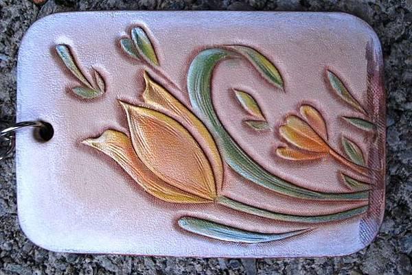 皮雕藝術雕刻鬱金香鑰匙圈-KF0203-380_0026168 [640x480].jpg