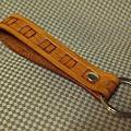 皮雕扣帶鑰匙圈-藤編紋-KF0602-380-R0021481 [640x480].JPG