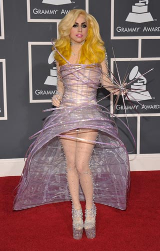 Lady-Gaga-Armani-prive-Grammy2010-jpgB.jpg