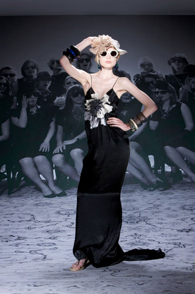 Lanvin-Black-Dress-with-Flower.jpg
