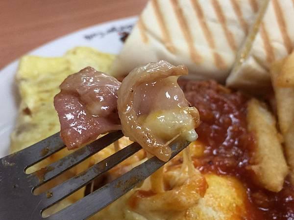 【樹林早午餐推薦】假日就是要睡到自然醒!樹林在地人才知道的巷弄早午餐–CITY BURGER城市漢堡樹林太順店(附完整菜單)