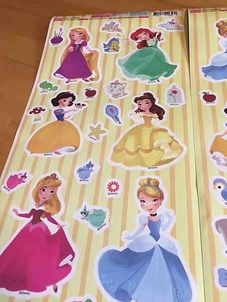 【開箱】itaste小品味正版迪士尼&航海王壁貼。小朋友和少女都會愛不釋手的居家裝飾!讓生活多點樂趣與情趣。還提供客製壁貼服務唷!–itaste小品味可愛公主時鐘壁貼