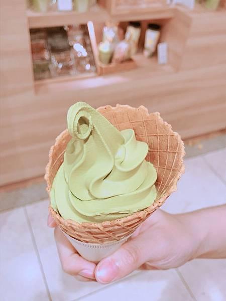 【日本美食】京都車站美食AEON好吃的nana's green tea抹茶冰淇淋&一保堂抹茶起司蛋塔-京都車站AEONMALL必吃抹茶甜點