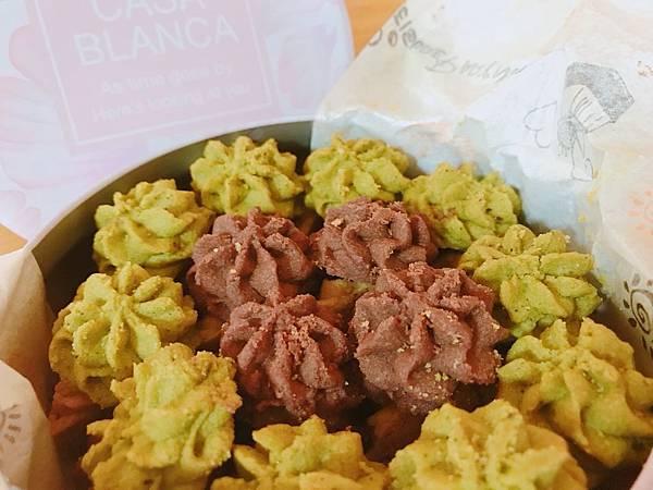 【開箱】台中伴手禮推薦。想念香港小熊餅乾的味道嗎?台灣也有比牛油曲奇還健康美味卻不打折的健康手工餅乾!- 晨牧手作烘焙坊手工椰糖曲奇(星空幻想圓型鐵盒)