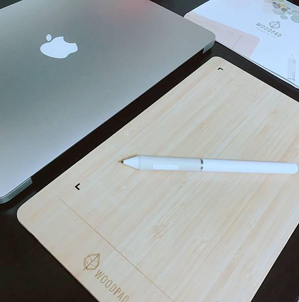 【開箱】繪圖板推薦。電繪新手也能駕馭的文青風竹製電繪板。簡約、環保、輕薄帶著走!走到哪畫到哪。整個城市都是我的創作區-viewsonic WoodPad 10 繪圖板(竹製10吋繪圖板)