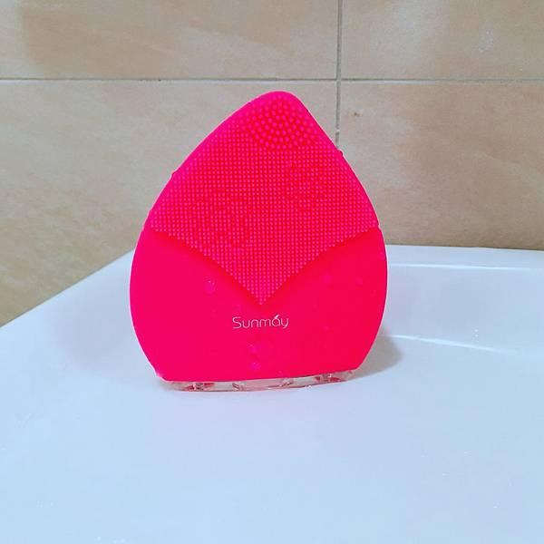 【開箱】超好用洗臉機推薦!防潑水、免電池。深層清潔+按摩一台搞定-Sunmay音波潔面儀
