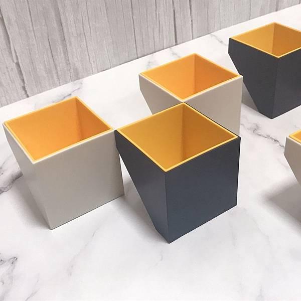 【開箱】韓國進口TOYOYO造型文具收納架。幾何造型隨心所欲變化收納小空間。恐龍&變色龍原子筆陪你辦公超療癒-myinnos賣創意韓國設造型原子筆&造型收納架