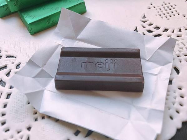 【開箱】日本人氣話題「明治提神巧克力」。讓高可可黑巧克力&膳食纖維巧克力成為你的健身好搭檔!日常最佳紓壓零食且富含可可多酚幫助解緩生理期不適。獨立包裝巧克力 / 隨身攜帶巧克力歡樂隨時有!-明治巧克力(86%黑巧克力 / 72%黑巧克力 / 95%黑巧克力).jpg.jpg