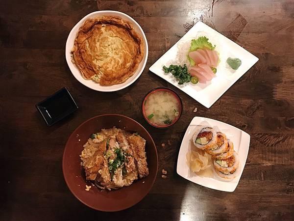 【台中美食】選擇多到從中餐到宵夜都有著落!台中西屯區蓋飯、生魚片、燒烤、壽司、火鍋、炒飯選擇超多樣又經濟實惠的平價日式料理-築也平價日本料理青海店