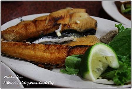 阿美海產店-煎魚肚