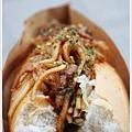 Bdog木炒麵麵包-BBQ醬 01