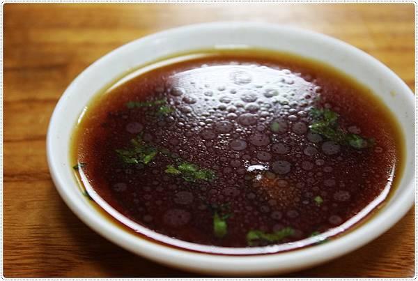 林記香港粥品-蘿蔔糕醬油