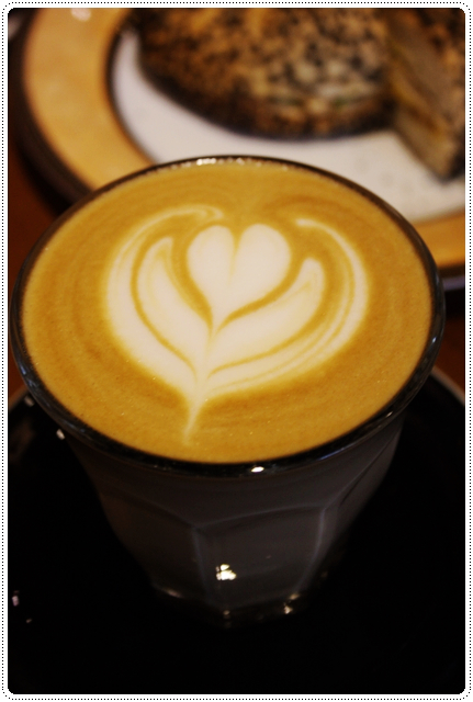 Eske Place Coffee House-榛果拿鐵