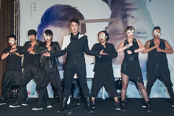 潘瑋柏又唱又跳表演全創作主打「24個比利」開創華語舞曲新世代