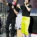 潘帥&丞琳不忘呼籲彼此歌迷去買對方專輯