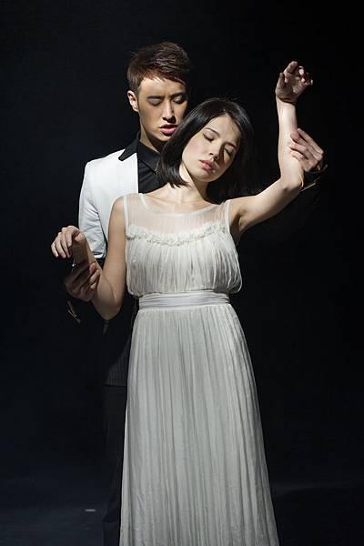 """讓潘瑋柏""""很有情緒"""",哭到忘我的「忘記擁抱」也是潘瑋柏、許瑋甯兩人首次合作MV"""