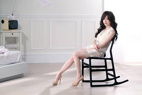 王心凌「變成陌生人」MV,讓人為之驚艷