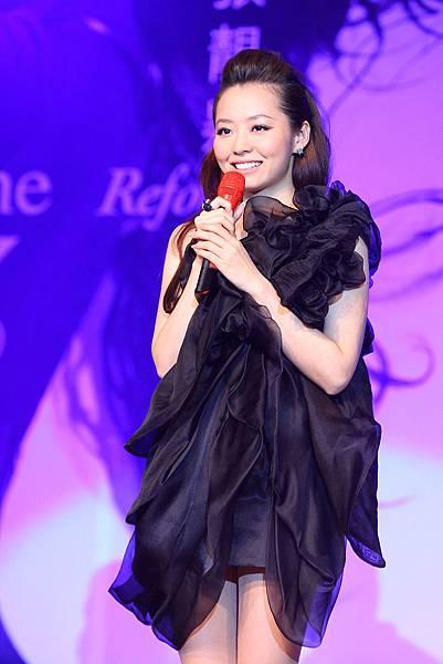 11.张靓颖2011年度大碟《改变》发布.jpg