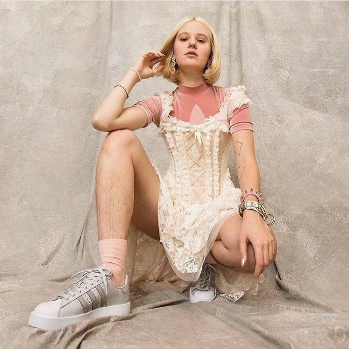 白人女性腿毛-2.jpg