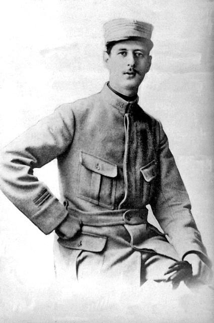De Gaulle Young-3.jpg