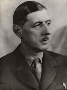 De Gaulle Young-nose.jpg