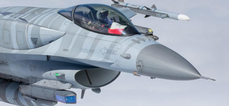 POLAND F-16 C %26; FLAG.jpg