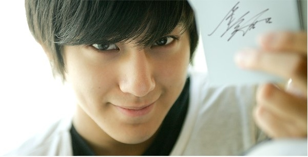 Kim Bum invite you join fan club