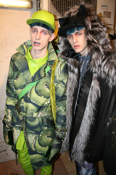 fashion156-Katie Eary FW10-bs-douglas2.jpg