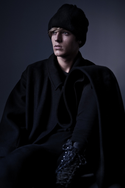 ROBBIE WADGE - FIASCO: LOST ISSUE PREVIEW - PH: Vincent Nord