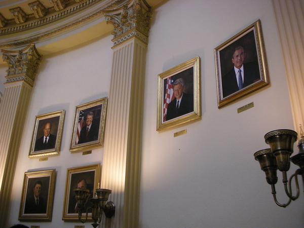 歷屆美國總統的畫像--有找到認識的人嗎