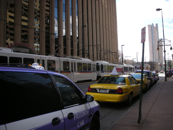 市區的輕軌電車