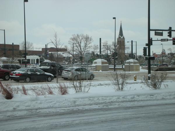 白雪覆蓋的街景