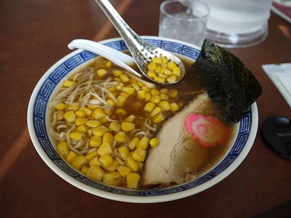 到釧路後的第1餐...奶油玉米拉麵