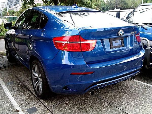 2012_BMW_X6M_1