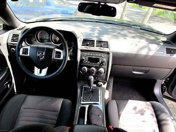 道奇挑戰者內裝 Dodge challenger interior