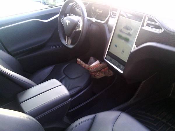 特斯拉電動車, tesla電動車, Tesla Model S, Tesla貿易商,Tesla台灣,Tesla中古車,Tesla Model S規格,Tesla Model S售價,Tesla Model S耗油