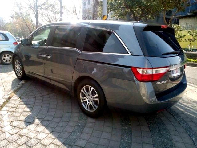 2012_Honda_Odyssey_4