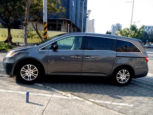 2012_Honda_Odyssey_3